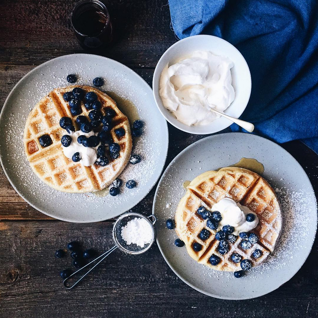 breakfast waffles blueberry