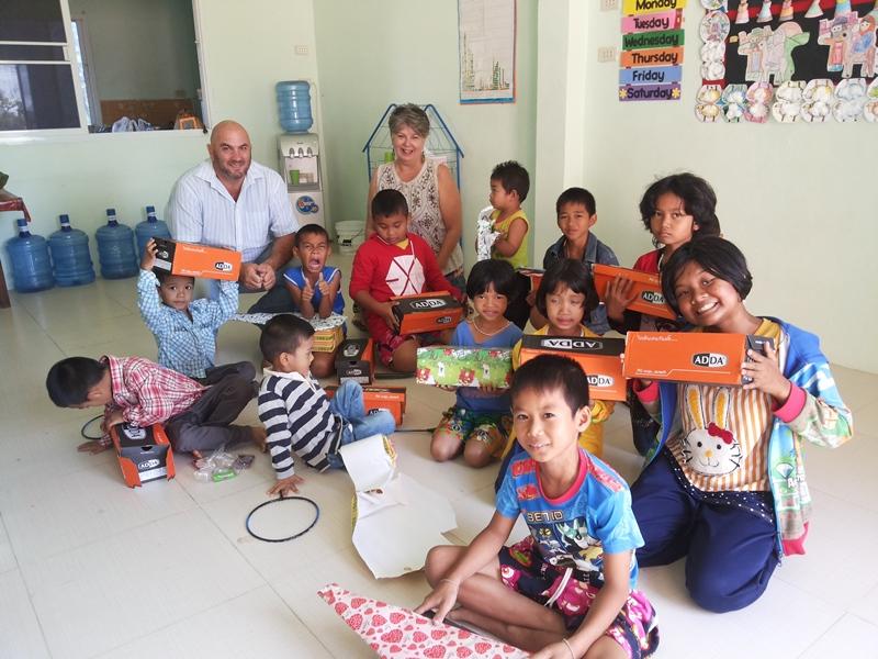 Frontida Outreach Thailand Kanthararom Sunday School Christmas