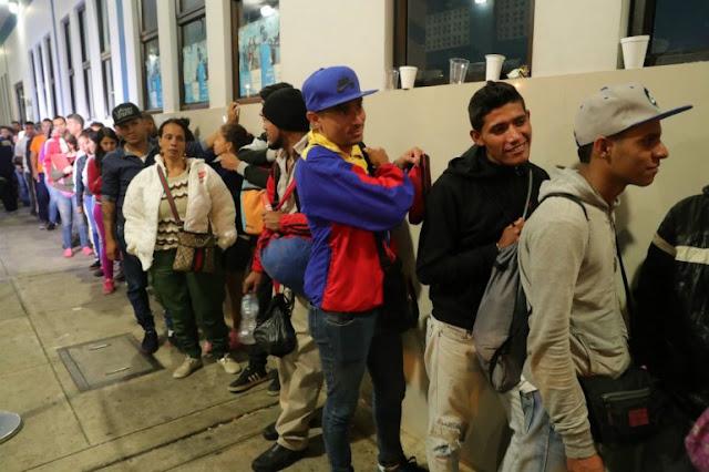 Exigencia de pasaporte reduce en más de 50% la llegada de venezolanos a Perú