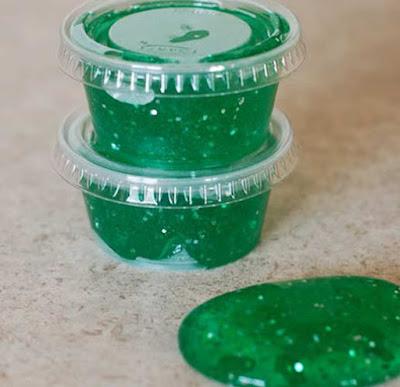 Cara Membuat Slime Hijau dari Borax dan Lem Bening