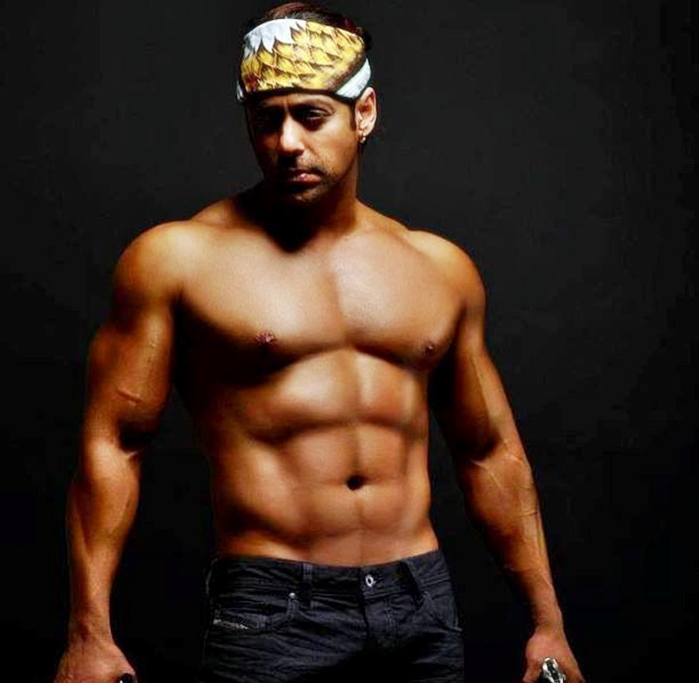 bollywood-actors-body-you-topless-festival-pics