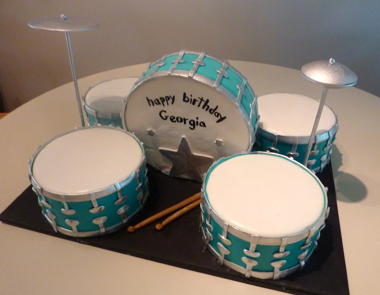 How To Make A Drum Kit Birthday Cake