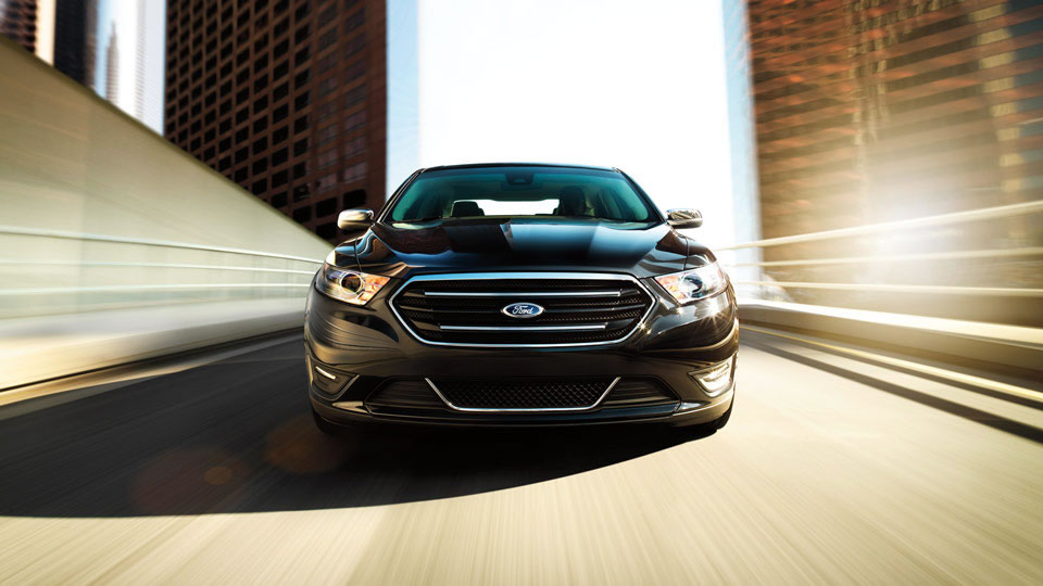 Đánh giá xe Ford Taurus 2016