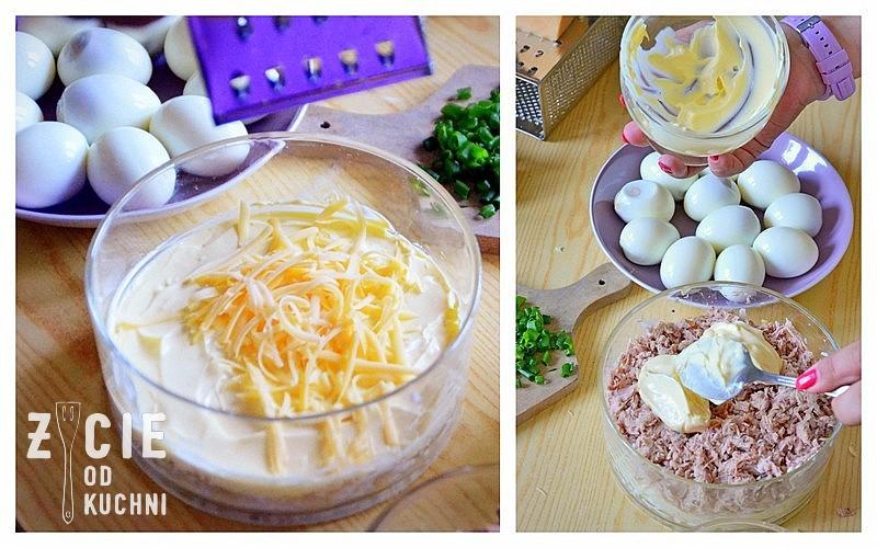 salatka warstwowa, salatka jajeczna, salatka z tunczykiem, majonez, majonez do salatki, tunczyk, szczypiorek, salatka z serem zoltym, zycie od kuchni, przygotowanie salatki, skladniki na salatke, salatka na sylwestra, jak zrobic salatke na impreze, salatka na impreze