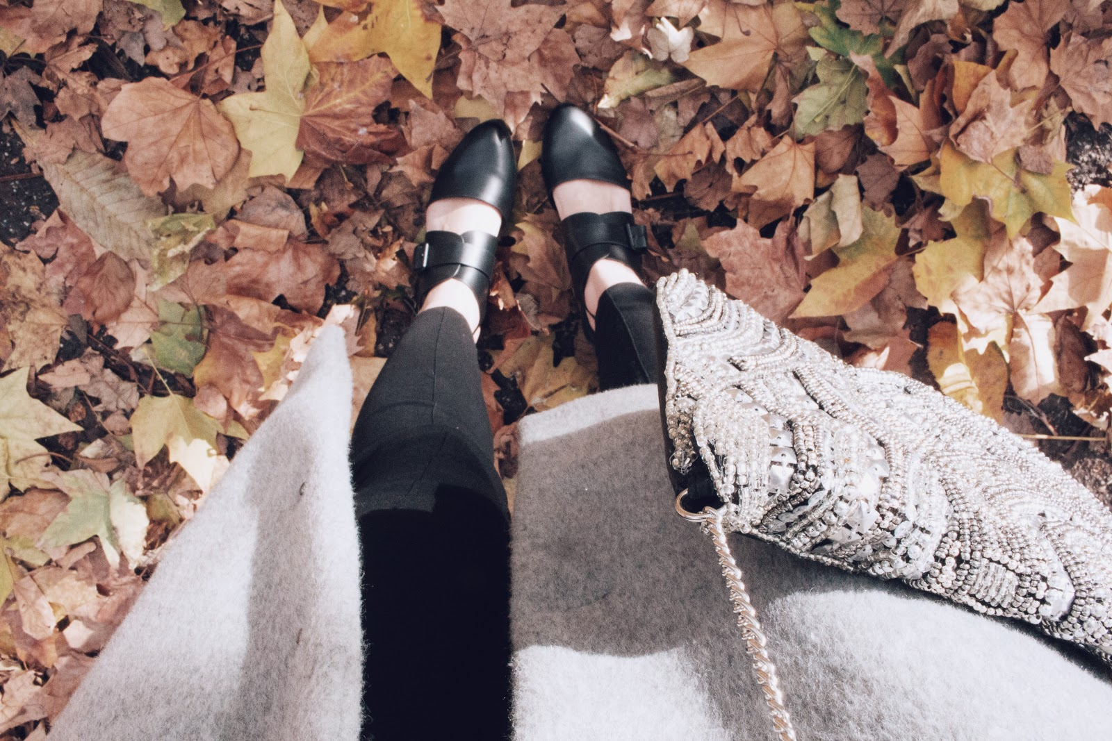 Save the Friday, Glitter, Paillettes, outfit, tenue du jour, ootd, look, primark, london, battersea park, red hair, glitter bag,