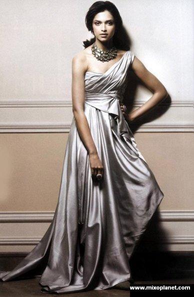 Beautiful Pictures OF Deepika Padukone In HD   MixoPlanet.com