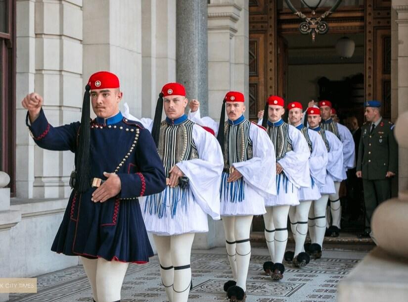 Pakaian Seragam Tentera Pelik Evzones