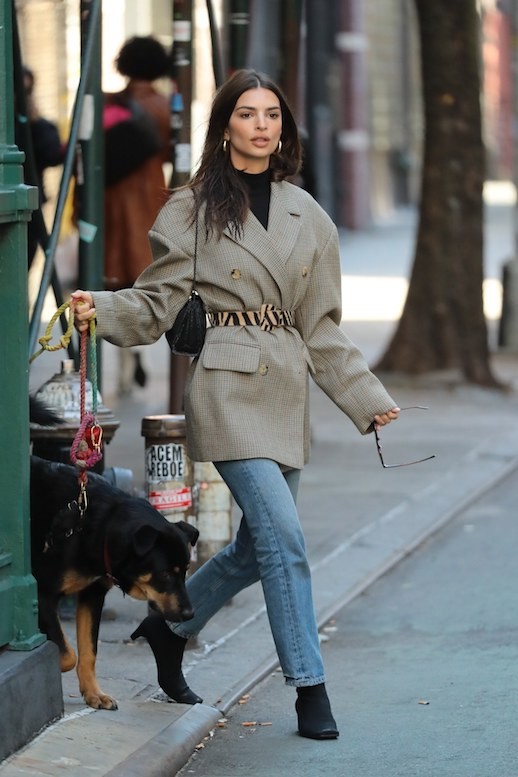 Emily Ratajkowski Proves An Oversized Blazer Is Key