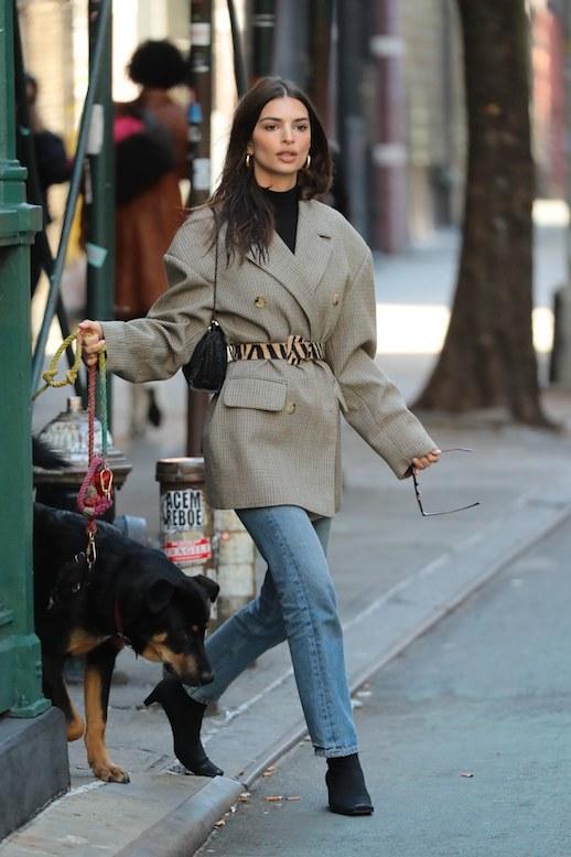 Emily Ratajkowski Proves An Oversized Blazer Is Key