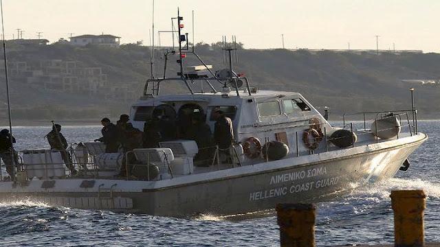 Διάσωση δυο ατόμων από το Λιμενικό σε ακυβέρνητο πλοίο στα Μέθανα