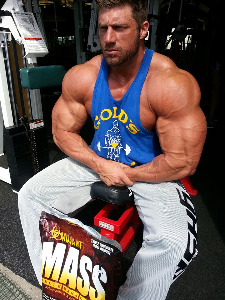 Muscle Lover Huge Bodybuilder Gabriel Moen From Usa