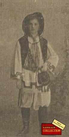 Charles Knie en costume Italien