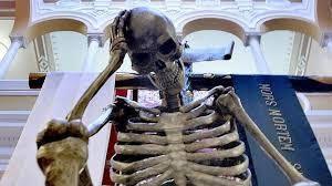la muerte en la Semana Santa el Viernes Santo en la Semana Santa de Sevilla