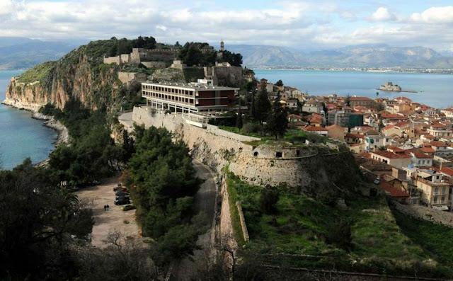 Στην βουλή από τον Γ. Ανδριανό η ανάγκη διάσωσης από κατάρρευση του Ξενία στην Ακροναυπλία