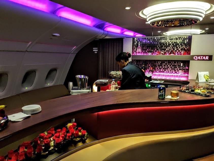 Le salon bar à bord de l A380 a06449f74ac