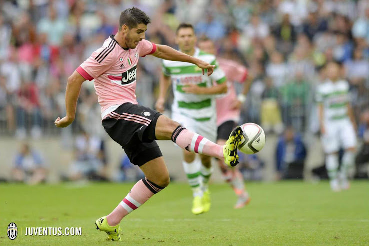 sports shoes 0f34c 55db8 Pretty in Pink - Juventus 15-16 Away Kit | On-Pitch Debut ...