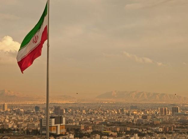 إيران تبدأ تنفيذ إجراءات وقف بعض الالتزامات في الاتفاق النووي