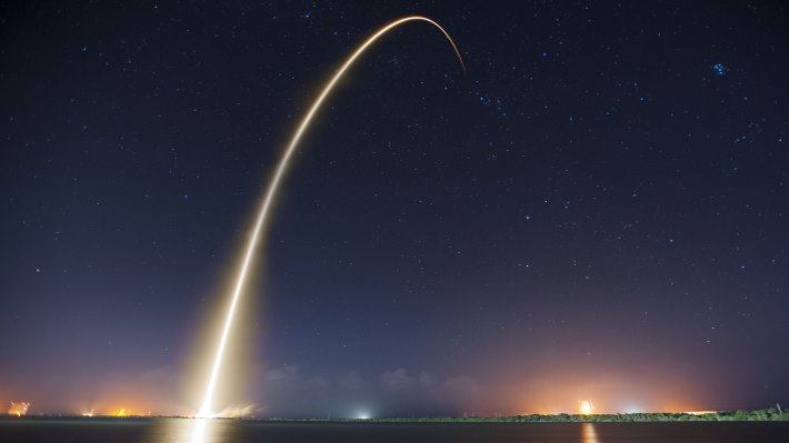 Wallpaper: SpaceX Falcon 9 rocket and Dragon spacecraft launched