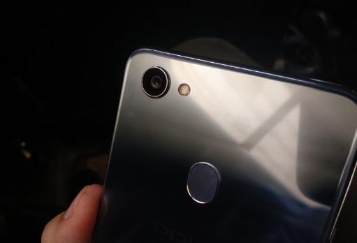 9 Point Kekurangan dan Kelebihan HP Oppo F7 Yang Wajib Sobat Ketahui