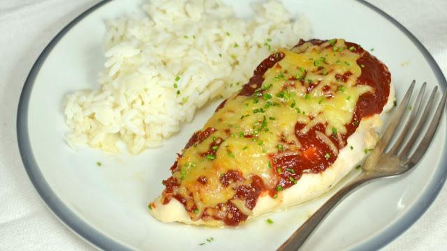 Pechugas al horno con tomate y mozzarella
