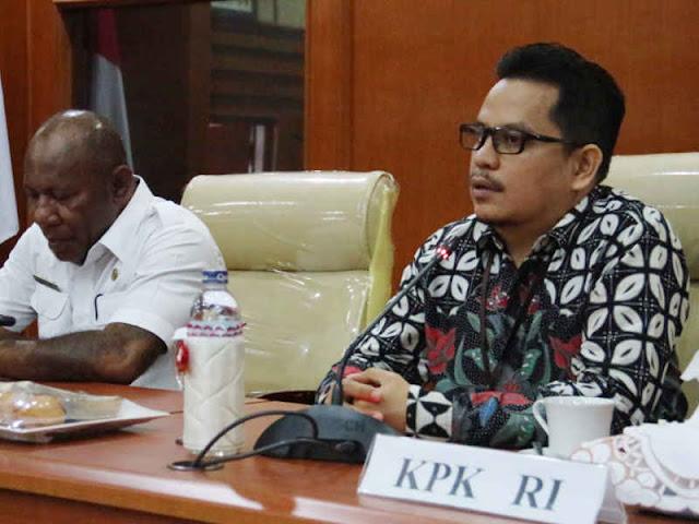 KPK Sebut Kepala Daerah di Papua Suka Keluar Daerah