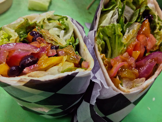 #MeatlessMonday :: Veggie Burritos