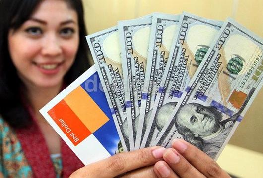 Dolar AS Balik ke Rp 14.400-an, Rupiah Jadi Juru Kunci di Asia