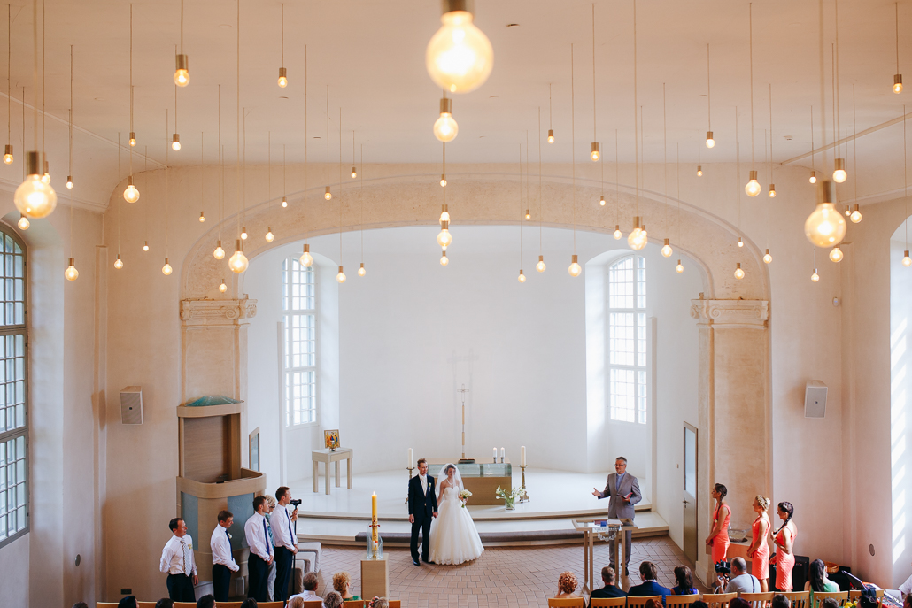kāzu ceremonija baltezera baznīcā