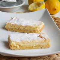 http://www.bakingsecrets.lt/2016/02/citrinu-pyragas-lemon-bars.html