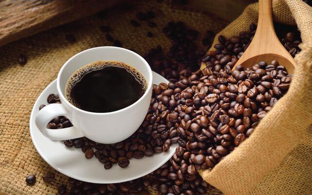 pagi di secangkir kopi