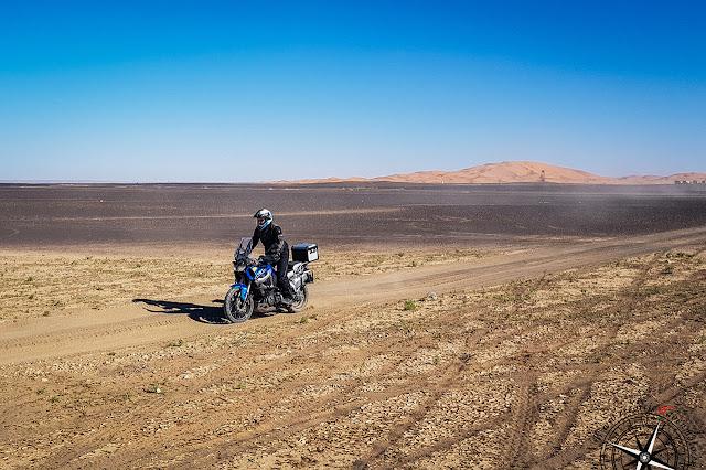 Dejamos las dunas del Erg-Chebbi