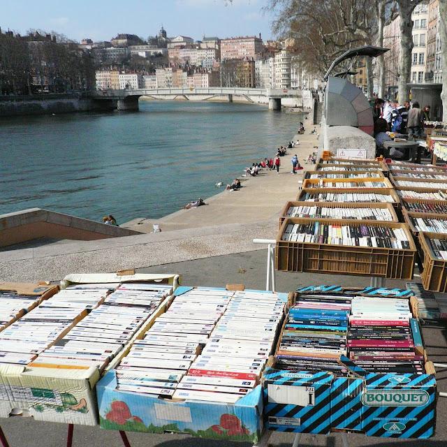 Bouquinistes quai Pêcherie à Lyon