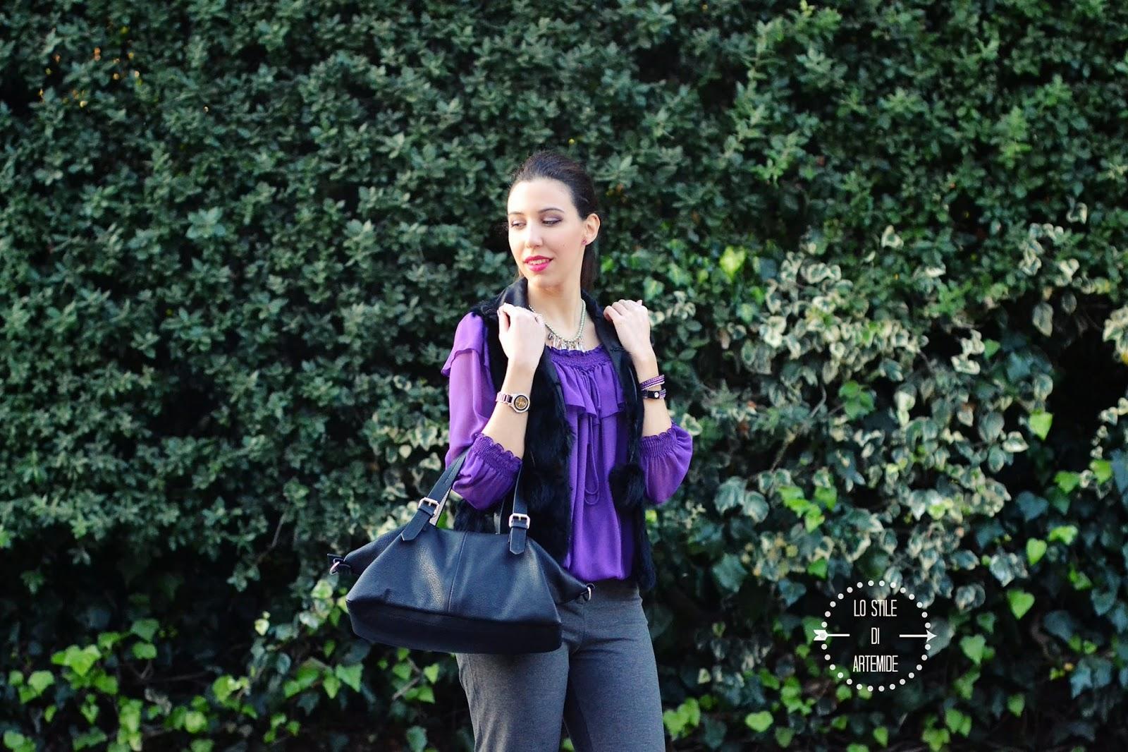 outfit viola e grigio