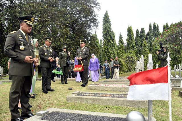 Panglima TNI Pimpin Ziarah Nasional HUT Ke-72 TNI Tahun 2017