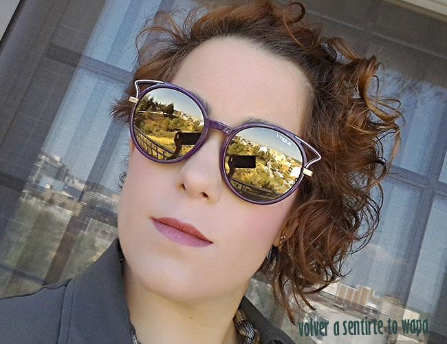 Gafas de sol con cristales de espejo de la marca Vogue
