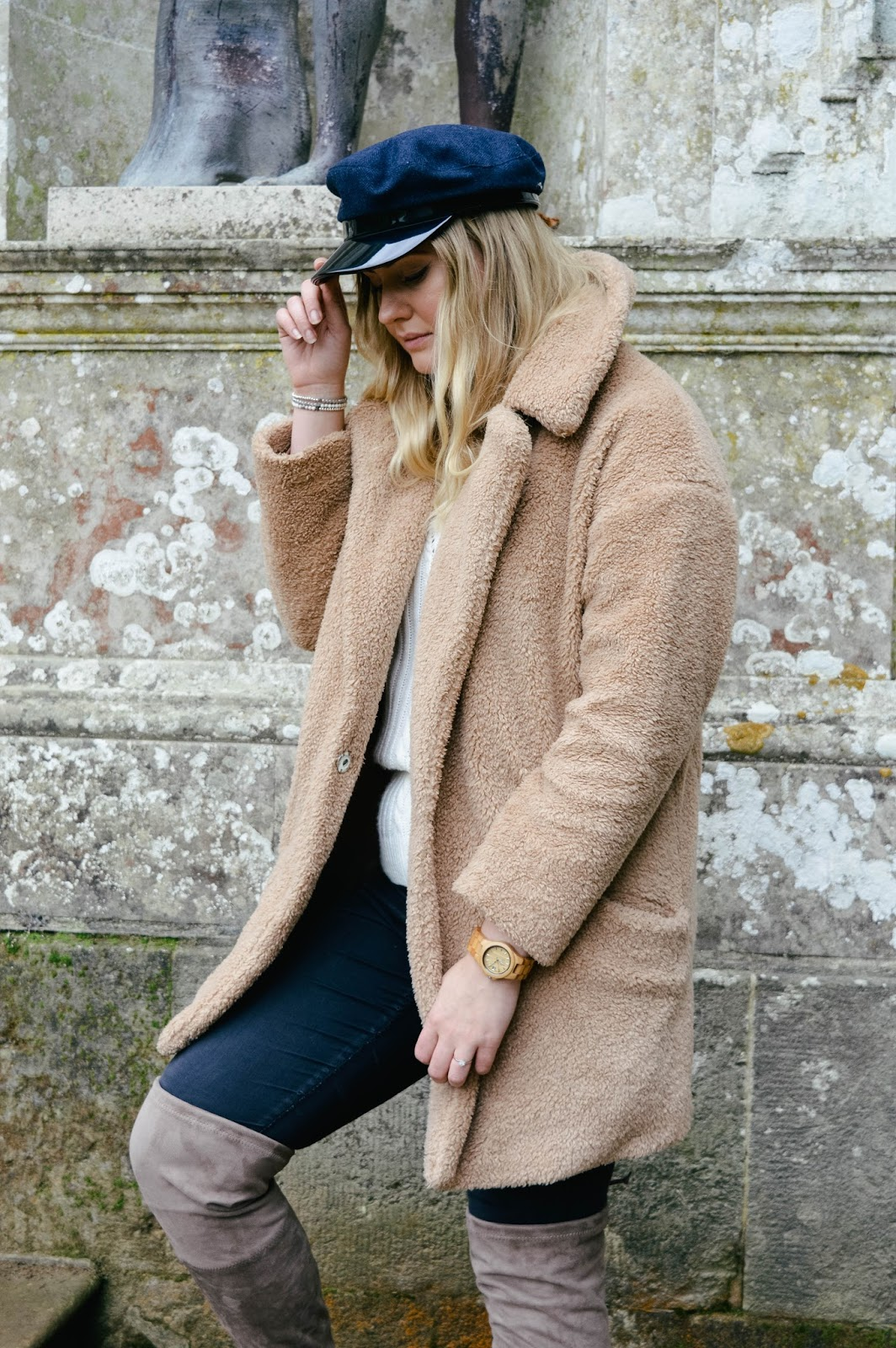 How to style the teddy bear coat, Hampshire bloggers, UK style bloggers, baker boy hats blog, fashion blogger