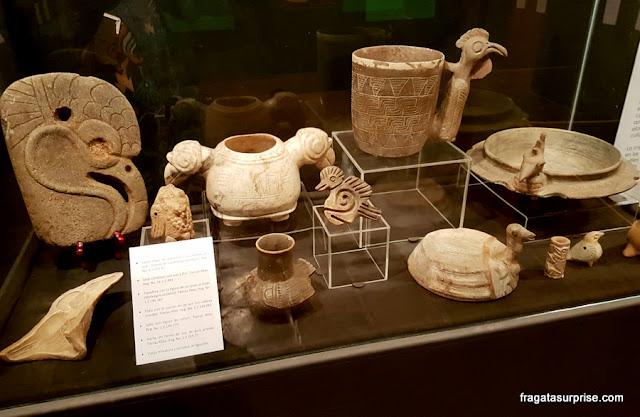 Arte pré-colombiana no Museu do Colégio de Jesuítas de Antigua Guatemala