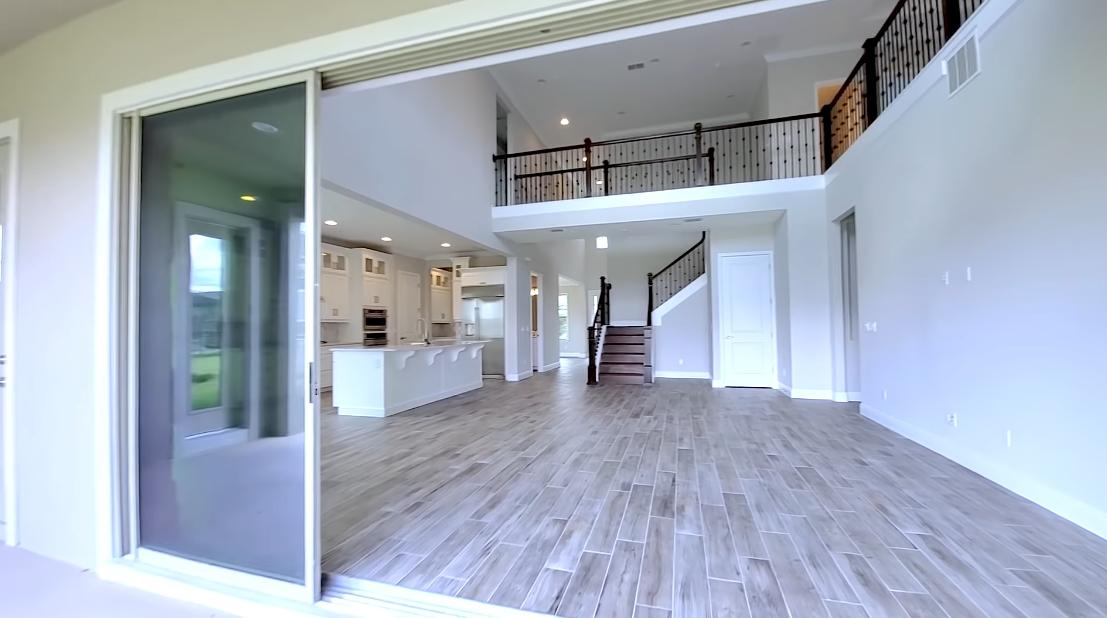 Tour Windermere, FL New Home vs. 22 Interior Design Photos