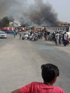 صور.. السيطرة على حريق مخزن فى الإسماعيلية