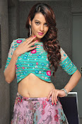 Deeksha Panth New dazzling photos-thumbnail-6