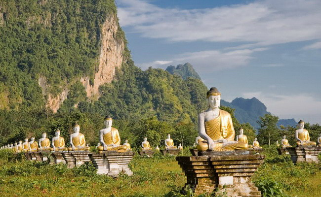 Xvlor.com Hpa An is relaxed city in karst hills, Thanlwin river, caves and Buddhas
