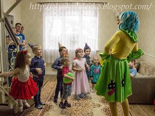 """Ну просто очень большой кукольный домик Или """"Подарков должно быть много!!!"""""""