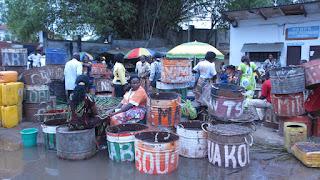 activités commerciales au port d'Oyo, Congo El Cubano