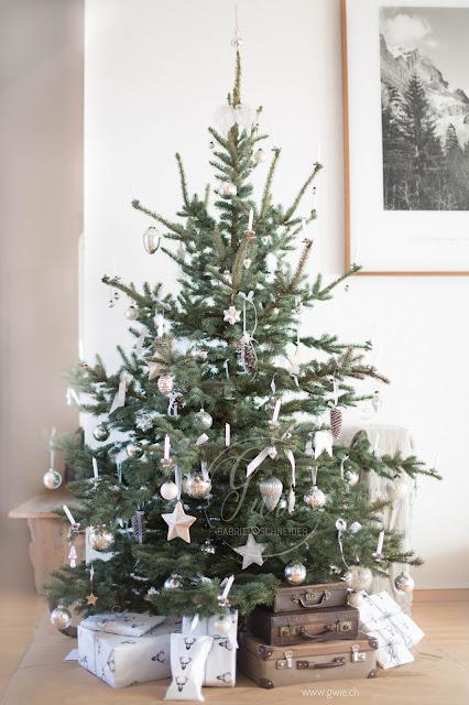 g wie weihnachten steht vor der t r tischdeko. Black Bedroom Furniture Sets. Home Design Ideas