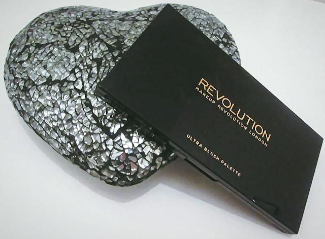 makeup revolution ultra blush palette in golden sugar
