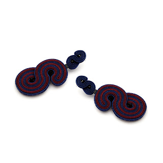statement-earrings-stripes-navy-maroon