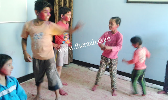 "RAAH NGO CELEBRATE HOLI - 2016 Raah NGO aims to Celebrate Holi to let the students learn about the ""keep Cleanliness, Dont throw colours on any animal. Please play Dry Holi don't Waste Water.."" Along with abiding safety precautions while playing Holi, children also enjoyed them self with different colours. The enjoyment was visible on their happy faces. Like & Subscribe JOIN US & SUPPORT US"