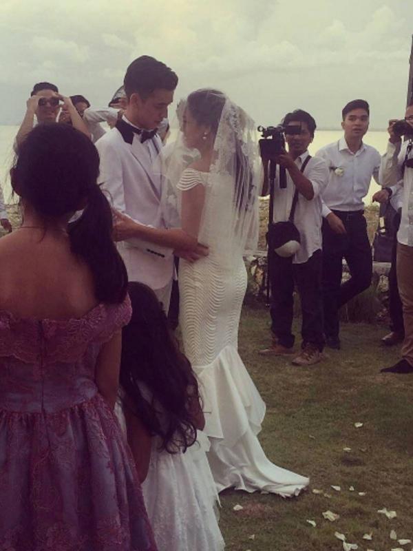 Ini Foto Gaun Pernikahan Celine Evangelista Dan Stefan William Yang