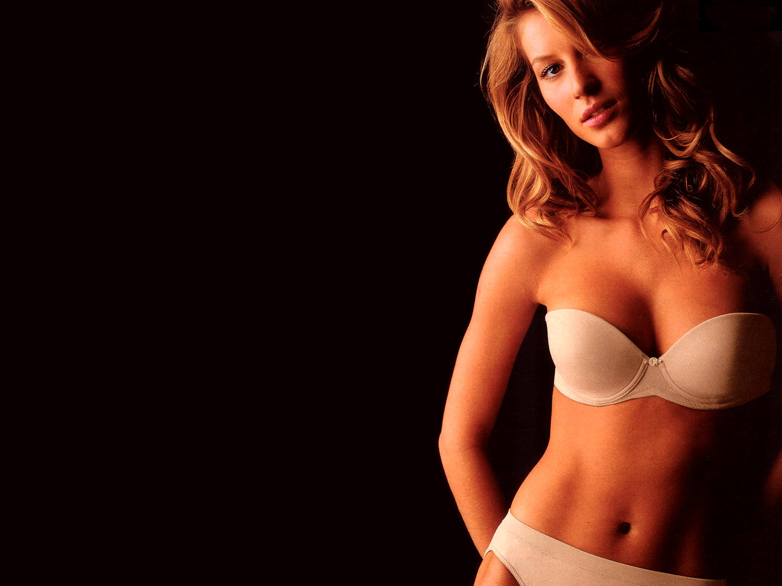 Gisele Bundchen Wallpapers & Pictures | Hollywood Actress Wallpapers | HD Celebrity Wallpapers ...