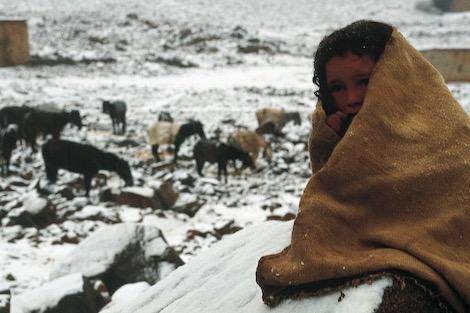 الجهوية 24 - البرد يجمد أجساد سكان الأطلس .. ومختص يحذر من أخطار التدفئة